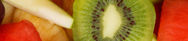 Obst mit Trauben, Kiwi und Melone