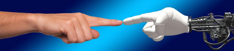 Mensch- und Roboterhand